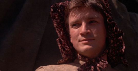 Nathan-Fillion-in-Firefly-in-a-bonnet